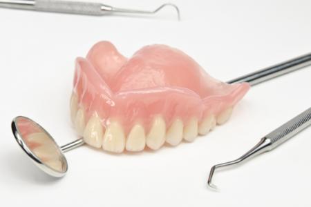 denture-450x300